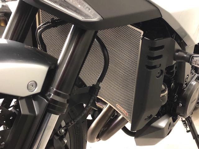 モトコルセ新製品のご案内:SUZUKI KATANA用チタニウムラジエタープロテクションスクリーン