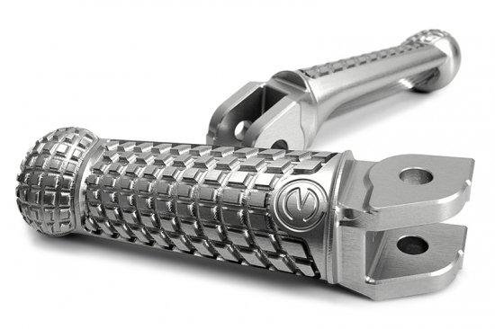 【商品のご案内++】 CNC ビレット ラジアルブロック スクエアエッジコンセプト ライディングフットペグ 純正可倒式 for Ducati / MV AGUSTA / BMW