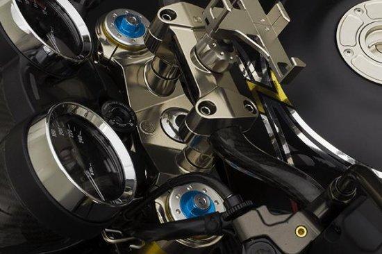 【商品のご案内++】 CNC ビレット アルミニウム ステアリング トリプルクランプ トップブリッジ for Kawasaki Z900RS