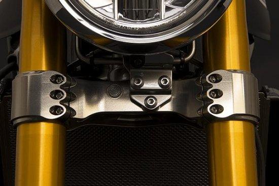 【商品のご案内++】 CNC ビレット アルミニウム ステアリング トリプルクランプ ロアーブリッジ for Kawasaki Z900RS